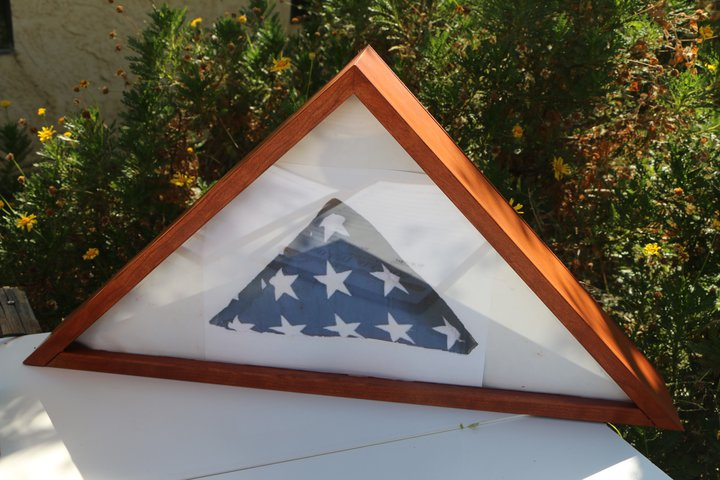 flag box with complex miter cuts by Tom Welz